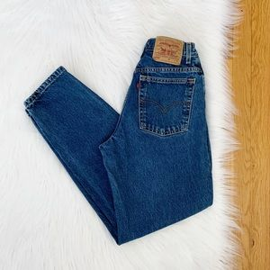 Levi's | Vintage 550 Taper Leg High Rise Mom Jean